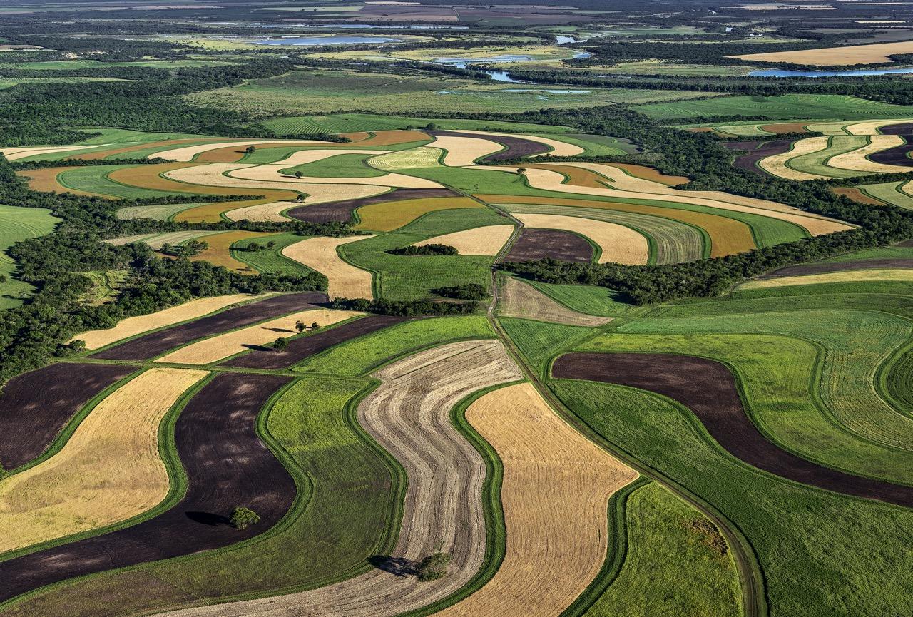 """Webinar-Reihe """"Aufbauende Landwirtschaft"""" mit einem Sommer-Spezial  »Wasser in der Land(wirt)schaft«. Fünf Webinare ab dem 18.06.2020"""